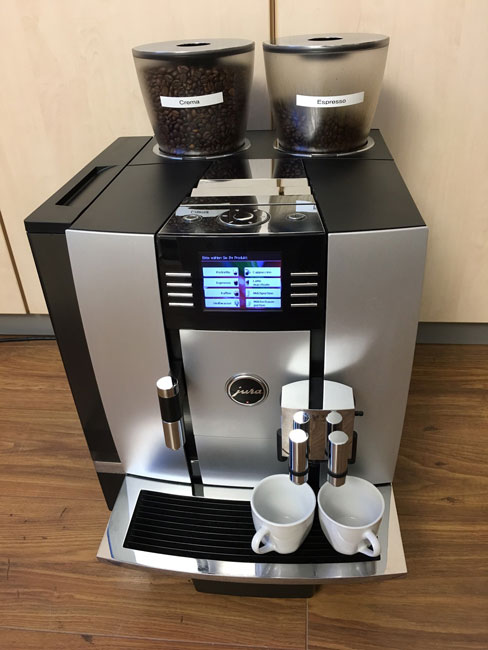 jura giga x7 professional alu profi kaffeevollautomat wassertank 2 mahlwerke ebay. Black Bedroom Furniture Sets. Home Design Ideas